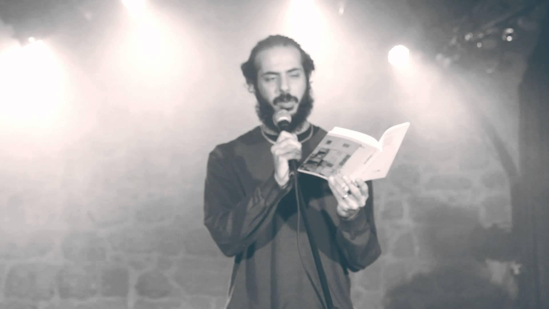 """הדיבור של רועי חסן – """"שיר בכותרות"""" – מדור חדש מאת אילן ברקוביץ'"""